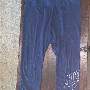 Nike Capri Length Work out pants